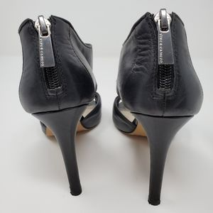 Vince Camuto Shoes - Vince Camuto black leather heels
